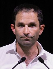 Benoit_Hamon_meeting_Saint-Denis_-_face_(cropped)