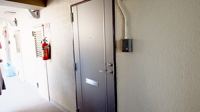 residence_room_entrance1