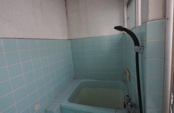 東大阪市太平寺・戸建て中古物件(浴室)