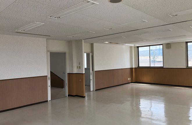 内観2/八尾市天王寺屋の事務所:元学習塾の広々物件!