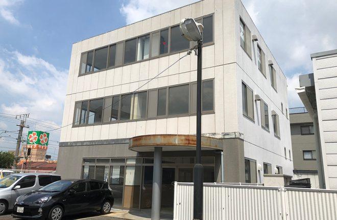 外観/八尾市天王寺屋の事務所:元学習塾の広々物件!