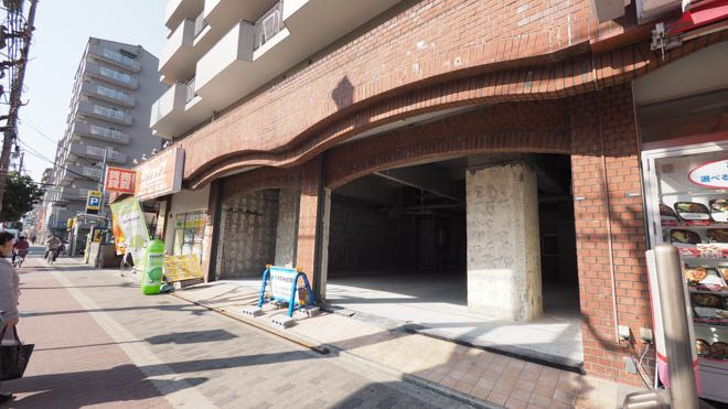 大阪市生野区の貸店舗。駅から徒歩1分!