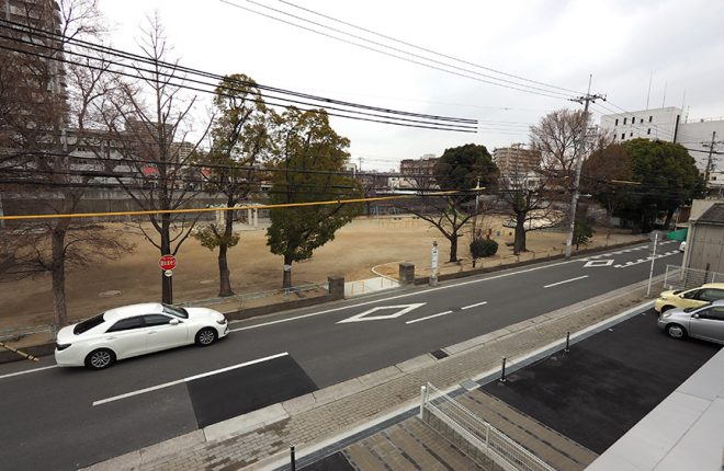 2階からの景色 | 大阪市城東区の細部にこだわった倉庫事務所