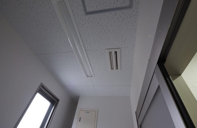 給湯室天井 | 大阪市城東区の細部にこだわった倉庫事務所