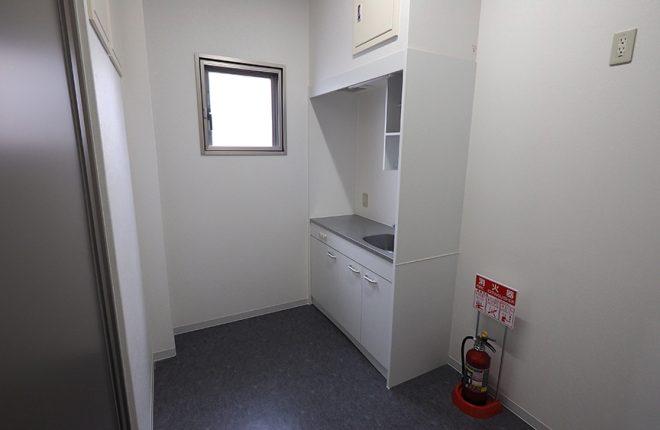 給湯室 | 大阪市城東区の快適な倉庫事務所