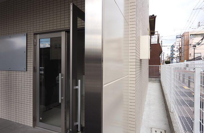 1階玄関 | 大阪市城東区の快適な倉庫事務所
