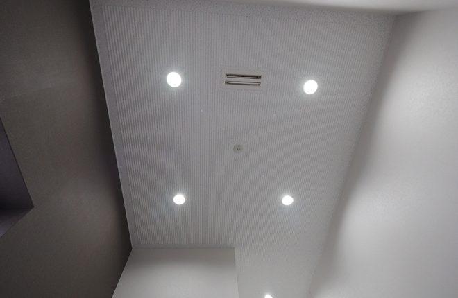 玄関ホール天井 | 大阪市城東区の快適な倉庫事務所