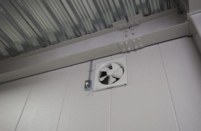 1階倉庫換気扇 | 大阪市城東区の細部にこだわった倉庫事務所