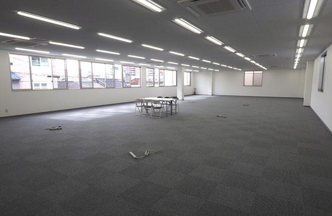 2階事務所 | 大阪市城東区の快適な倉庫事務所